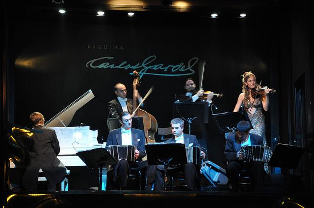 Esquina Carlos Gardel, shows de tango em buenos aires (Foto: Mr.Boombust)