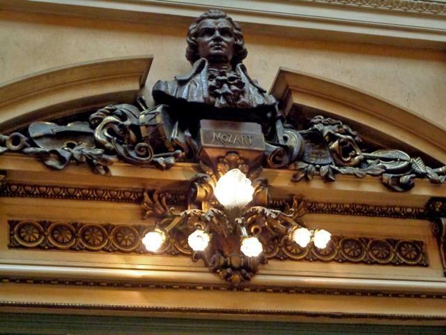 Visita guiada aoTeatro Colón, Mozart