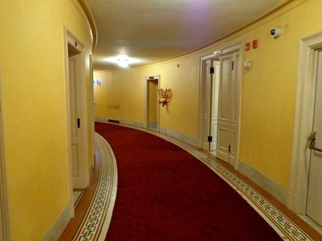 Visita guiada aoTeatro Colón, corredor