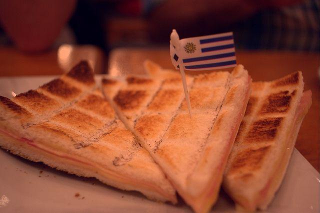 Sandúiches de miga, comidas típicas argentinas (Foto: Andres Moreira)