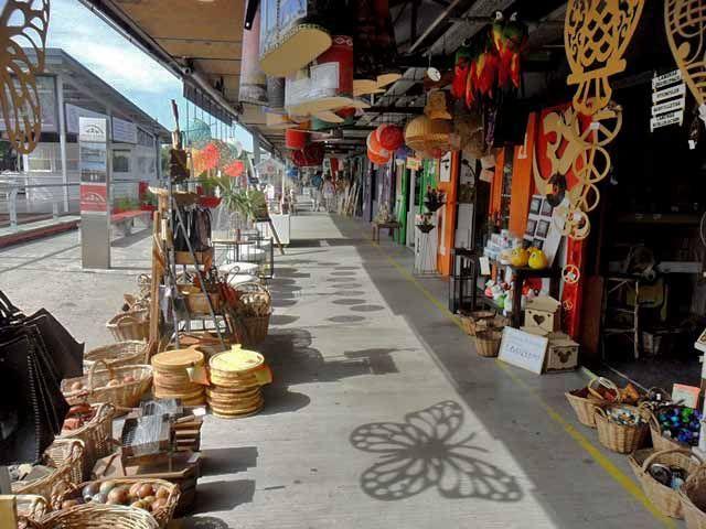Porto de Frutos do Tigre, lojas