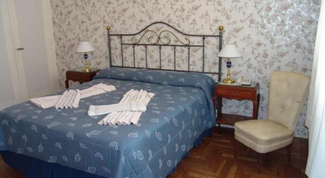 Hotéis baratos em Buenos Aires, Hotel Lyon