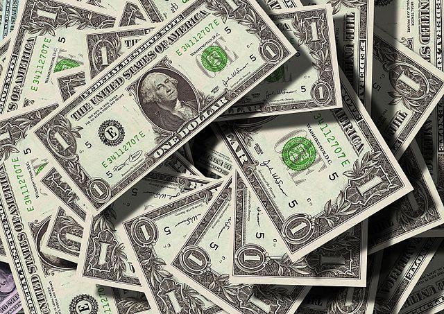 Câmbio oficial ou câmbio paralelo, dólares