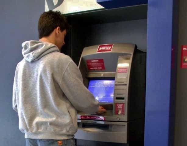 Como sacar dinheiro de um caixa eletrônico em Buenos Aires, Banelco (Foto: Patricio Molina)